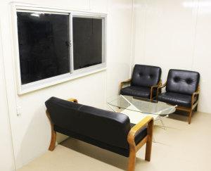 ヨーゼフ犬舎 見学者用応接室